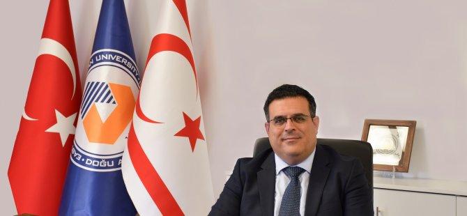 DAÜ rektörü Prof. Dr. Aykut Hocanın'dan yeni yıl kutlama mesajı