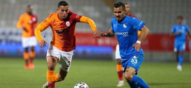 Galatasaraylı futbolcunun elinde havai fişek patladı