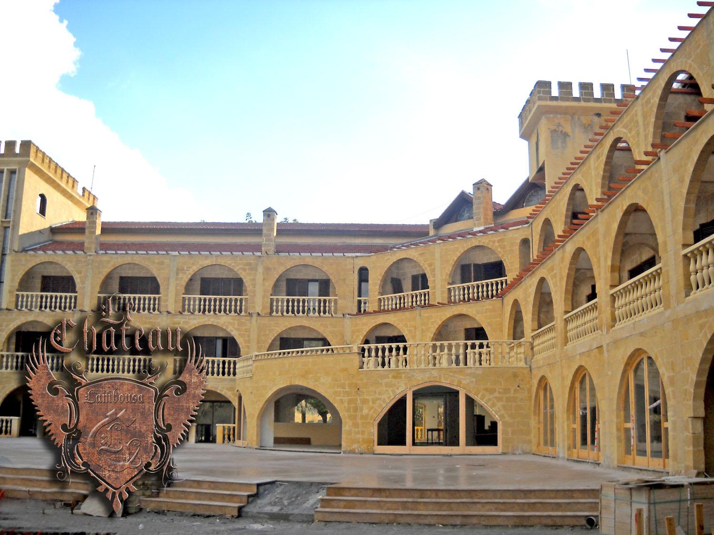 Chateau Lambousa  Hotel Hizmete Giriyor