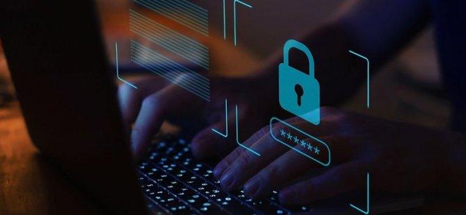 """Yeni yüzyılın en büyük hırsızlığı artık """"kişisel verilerimiz"""""""