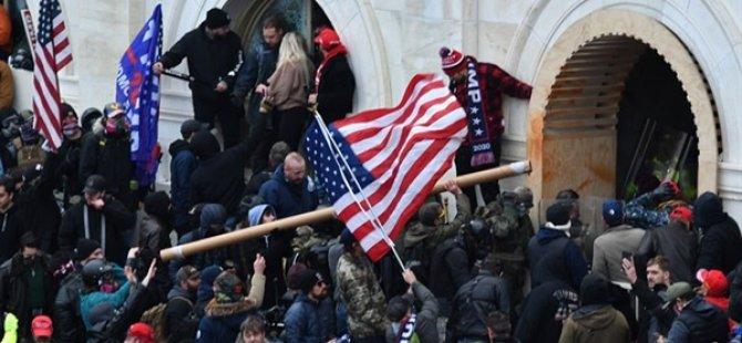 ABD'de Kongre Baskınında Şiddete Karışanlar Gözaltına Alınıyor
