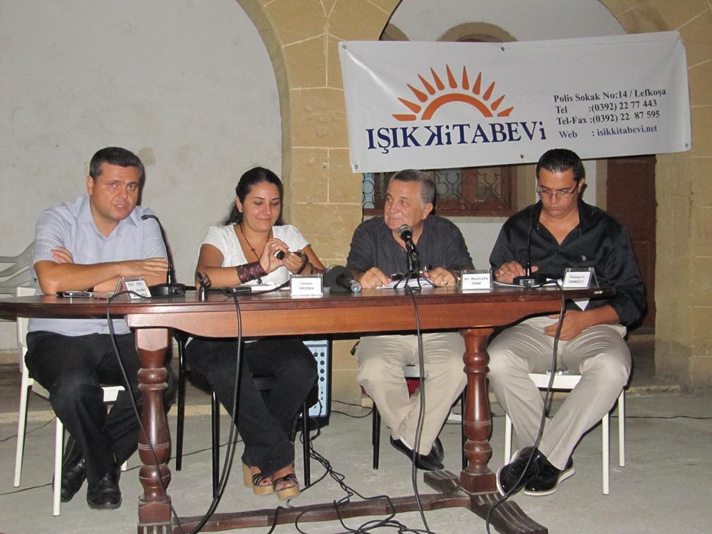 Gazeteciler Kitap Fuarında