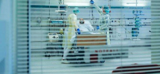 Sağlık çalışanlarının yarısının ruh sağlığı bozuldu