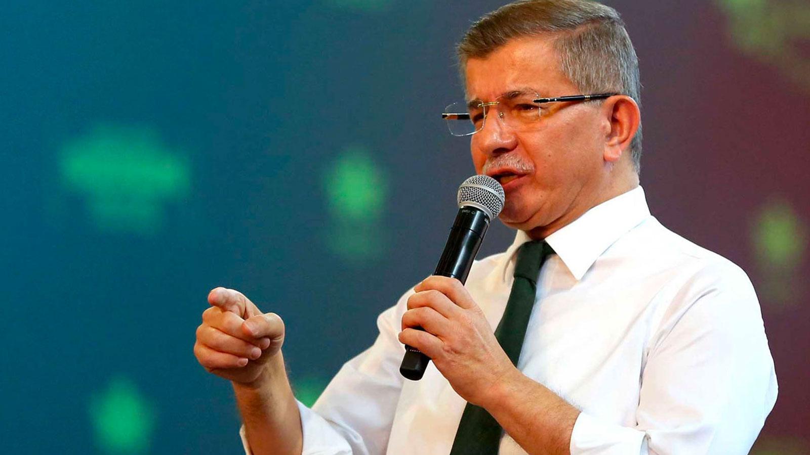 Davutoğlu: Bahçeli, FETÖ'nün hükümeti devirme teşebbüsüne açık destek vermiştir