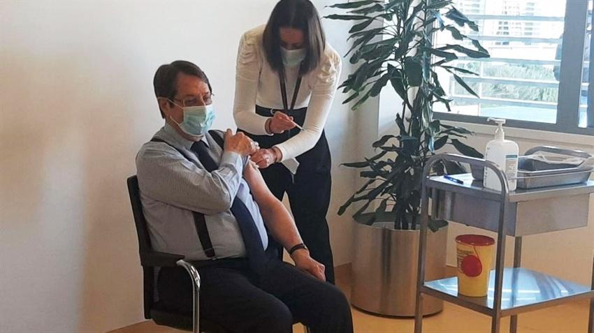 Anastasiadis ikinci doz aşıyı oldu