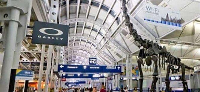 Kovid-19 Nedeniyle Uçağa Binmekten Korktuğu İçin Chicago Havalimanında 3 Ay Yaşadı