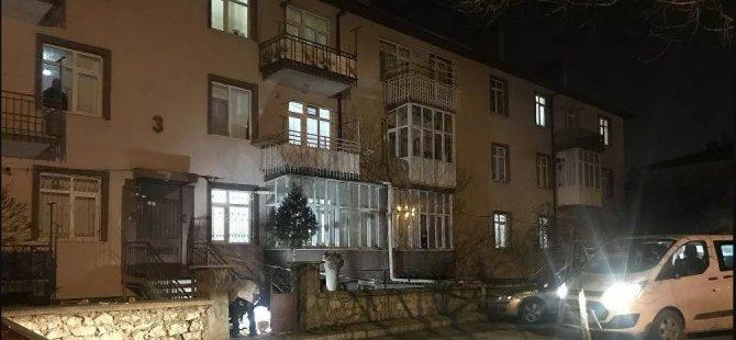 Marketten dönen çift evlerinin önünde öldürüldü: Olayı gören 9 yaşındaki çocukları kendini eve kilitledi