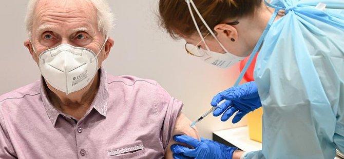 Pfizer ve BioNTech: Covid-19 aşımız koronavirüsün yeni türlerine karşı da etkili
