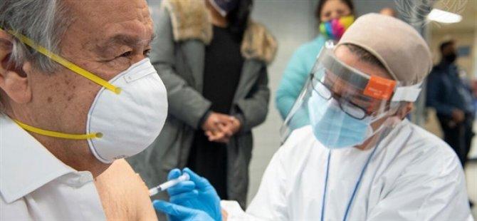 Guterres sırasını bekledi aşı oldu