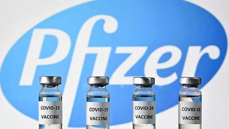 İki doz Pfizer aşısı vurulan ABD'li Kongre üyesi Lynch Koronavirüs'e yakalandı
