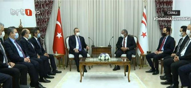 TC Dışişleri Bakanı Çavuşoğlu KKTC'de..İlk olarak Meclis Başkanı Sennaroğlu ile görüştü