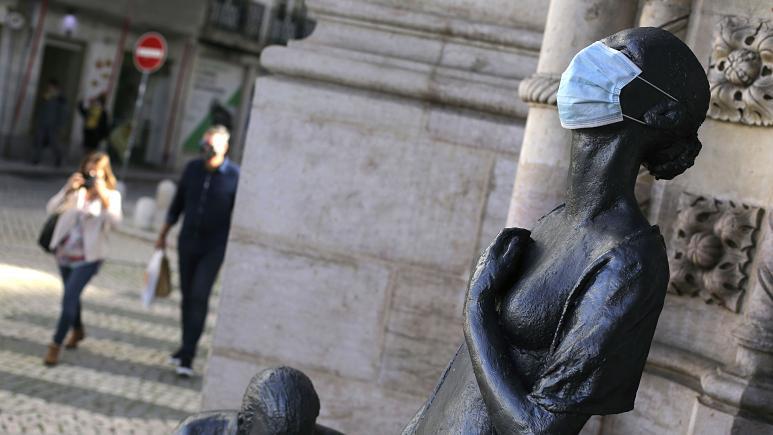 İtalya Hekimler Federasyonu: 'Cerrahi maskeler mutasyonlu virüslere karşı etkisiz'