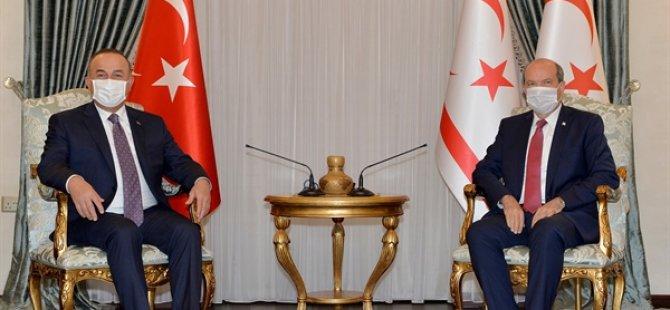 Cumhurbaşkanı Tatar İle TC Dışişleri Bakanı Mevlüt Çavuşoğlu Görüşmesi Başladı