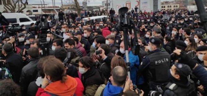 TTB: İktidar, binlerce kişiyi buluştururken; barışçıl gösteriye 'pandemi engeli' konuyor