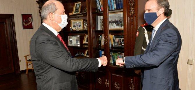 Cumhurbaşkanı Ersin Tatar, Birleşik Krallık Dışişleri Bakanı Dominic Raab'ı kabul etti