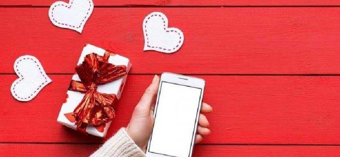 Sevgililer Günü:Covid döneminde 'romantik ilişki dolandırıcılığı' arttı