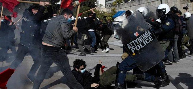 Yunanistan'da 'kampüs polisi' tasarısını protesto eden öğrencilere polis müdahalesi