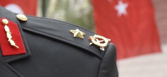 KKTC'de de görev yapmıştı! Rütbesini FETÖ Elebaşının Taktığı Generalin Apoletleri Söküldü