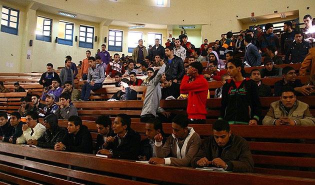 Mısır'da okulların yarıyıl tatili uzatıldı
