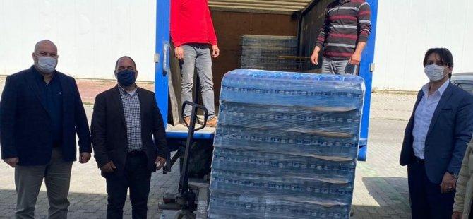 Muhtarlar Derneği Bağışları Kızılay'a Teslim Etti