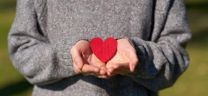 14 Şubat araştırması: Beş erkekten biri 'beklenti' nedeniyle hediye alıyor