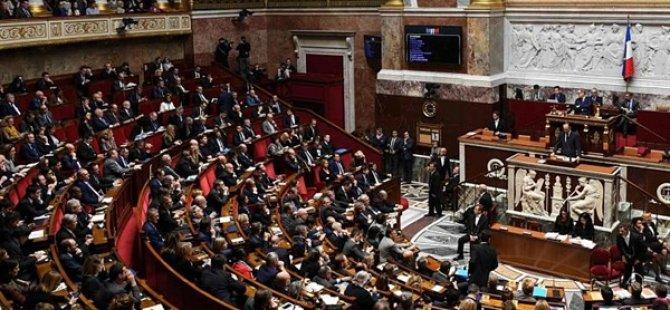 Fransa Ulusal Meclisi 'Ayrılıkçı İslam İle Mücadele Yasasını' Onayladı
