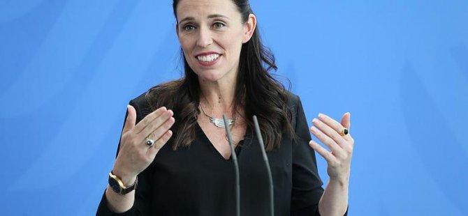 Yeni Zelanda Başbakanı Ardern: Okullarda regl ürünleri ücretsiz dağıtılacak
