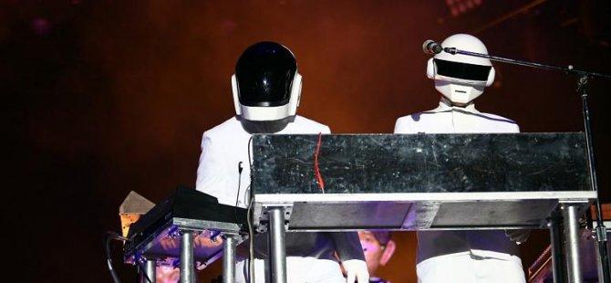 28 yıllık müzik efsanesi Daft Punk grubu dağıldığını açıkladı