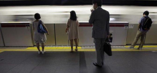 Japonya'da giderek artan intiharlarla mücadele etmek için 'yalnızlık bakanı' atandı