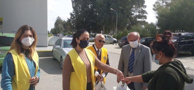 Lefkoşa Merkez Ve Lefkoşa Sarayönü Lions Kulüpleri İhtiyaçlı 164 Kişiye Gıda Paketleri Dağıttı
