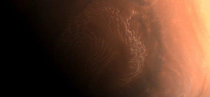 Çin'in uzay aracı Tianwen-1'den Mars'ın ilk fotoğrafları
