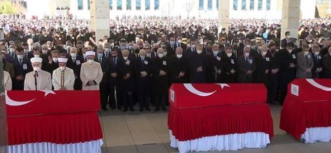 Helikopter Kazasında Şehit Olan 11 Asker İçin Cenaze Töreni Düzenlendi