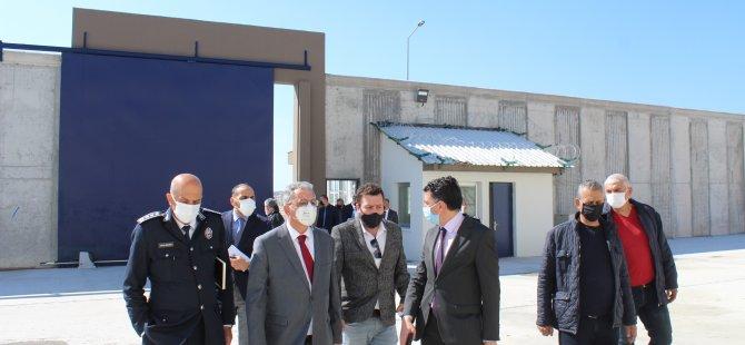 İçişleri Bakanı Kutlu Evren Yeni Cezaevinde İncelemelerde Bulundu
