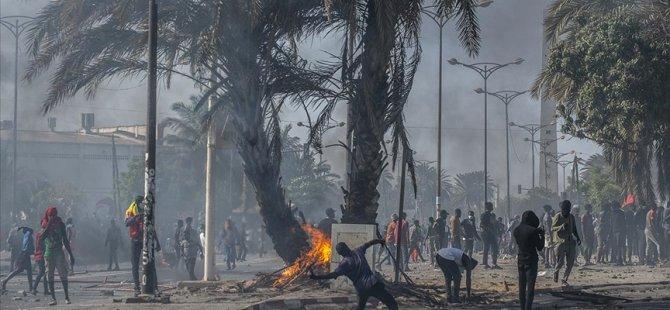 Η Σενεγάλη εμπλέκεται στην κράτηση αντιφρονούντος ηγέτη Σόνκο