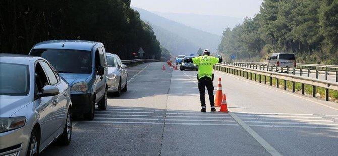 Οι νεαροί οδηγοί είχαν περισσότερες πιθανότητες να παραβιάζουν τους κανόνες κυκλοφορίας