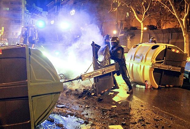 """""""Burgos protestoları"""" 30 kente sıçradı"""