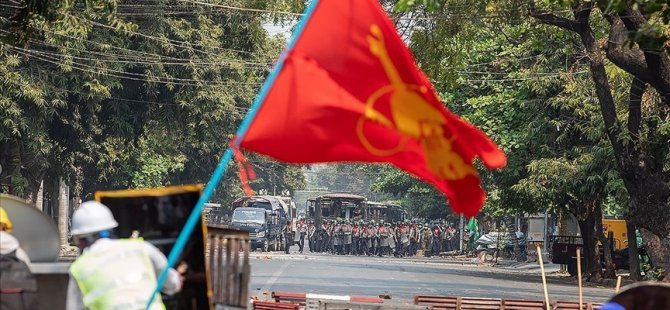 Myanmar'da protestoları destekleyen 20 ünlü hakkında gözaltı kararı çıkarıldı