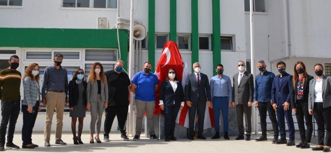 Η ένωση λαών της TRNC Fenerbahce εγκαινίασε το Atatürk Bust