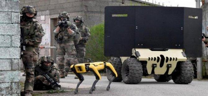 Fransız ordusu Boston Dynamics robotu Spot'u askeri tatbikatlarda test etmeye başladı