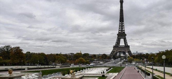"""Fransa'da Senato """"Ayrılıkçı"""" Yasa Tasarısına Resmi Spor Müsabakalarında Başörtüsü Yasağını Ekledi"""