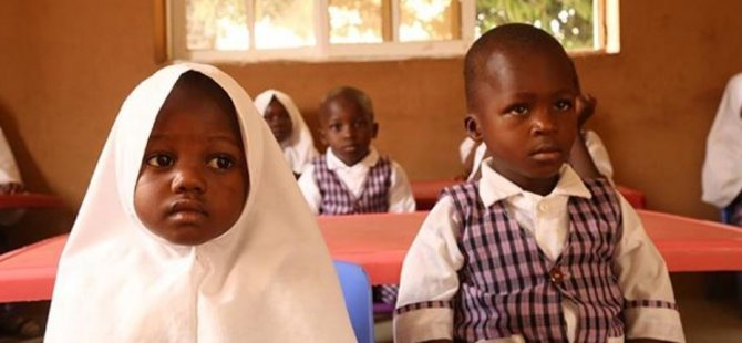 Nijerya'da başörtüsü tartışması yüzünden kapatılan okullar yeniden açıldı