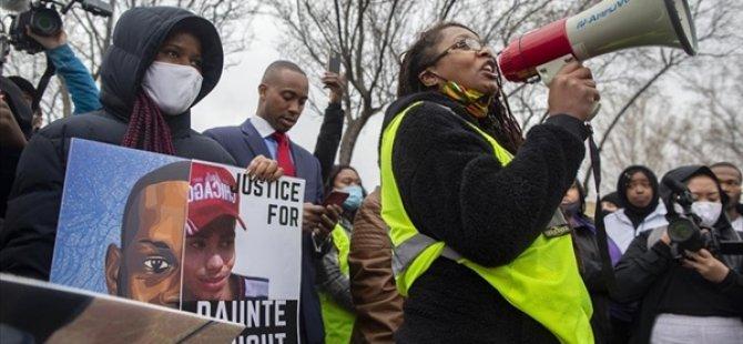 ABD'de Siyahi Genç Daunte Wright'ın Ölümüne Sebep Olan Polis Ve Şefi İstifa Etti