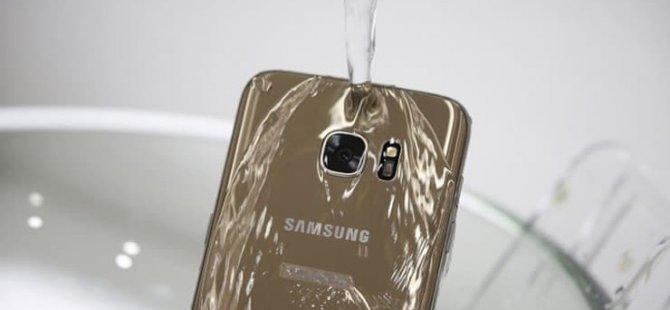 Telefonunuz ıslanırsa ne yapmalı? (İpucu: Boşuna pirince yatırmayın)