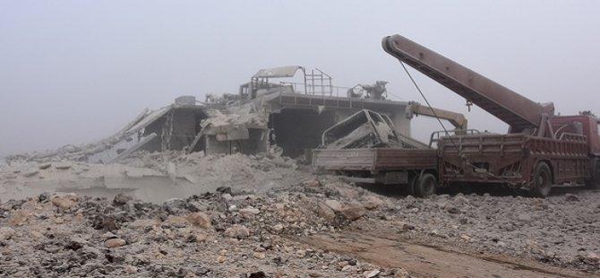 Esed Rejimi Suriye'deki İç Savaşta 81 Bin 916 Kez Varil Bombası Kullandı