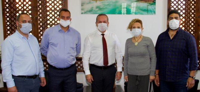 Σας ευχαριστούμε επίσκεψη από την Πρωτοβουλία Εργαζομένων Τουρισμού στον Υπουργό Ataoğlu