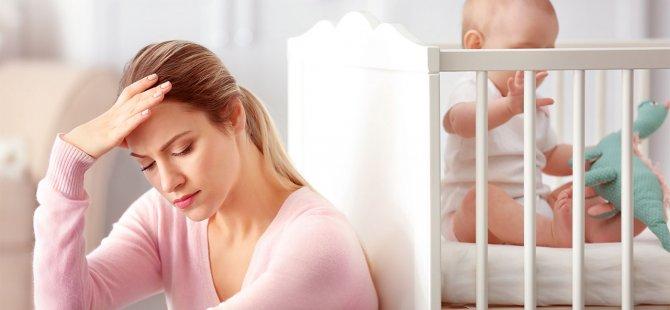 Lohusa depresyonu, tedavi edilmemesi halinde anne ve bebek için büyük bir tehlike yaratabilir.