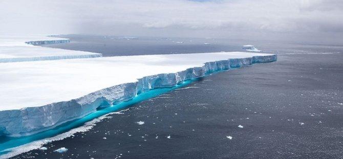 'Dünyanın en büyük buzul dağı' olarak bilinen A68 eriyerek yok oldu