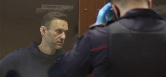 AB, Rus Muhalif Aleksey Navalnıy'ın Tedavisi İçin Rusya'ya Çağrıda Bulundu