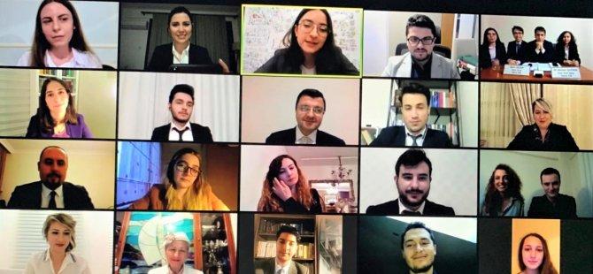 """""""Geleceğin Tahkim Avukatı Yarışması""""nda YDÜ Hukuk Fakültesi öğrencisi Demet Demirci """"En İyi Müzakereci Ödülü"""" aldı"""