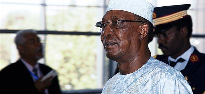 Ο πρόεδρος του Τσαντ Ντέμπυ πέθανε σε σύγκρουση στην πρώτη γραμμή